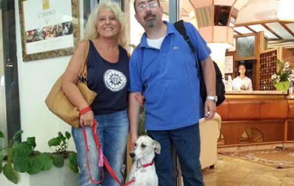 Famiglia con cane presso hotel vienna ostenda