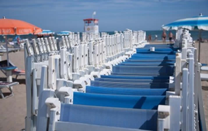 Servizi spiaggia Bagno Onda 43 a Rimini